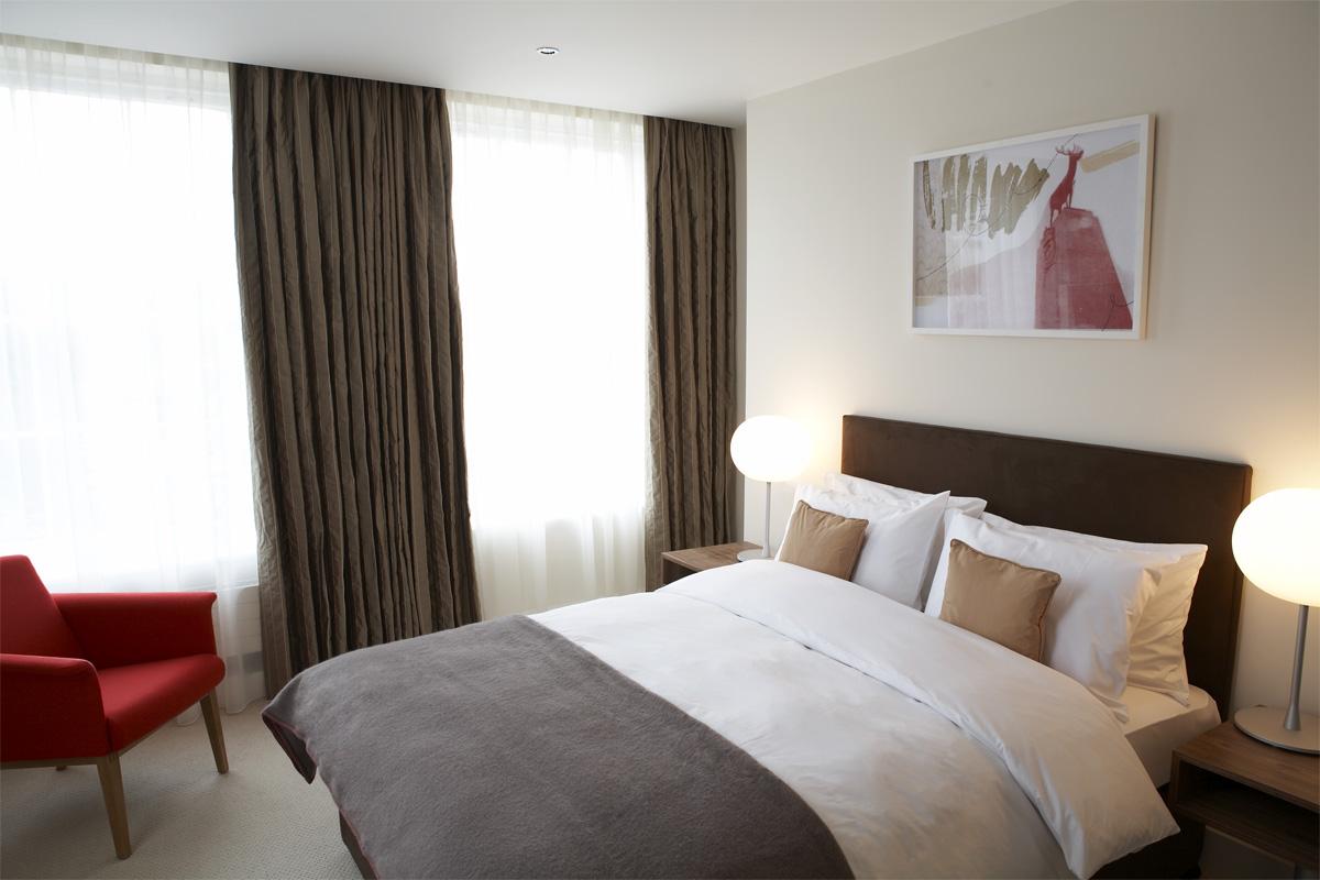 HHH_2006_0Double bedroom, Hertford House Hotel. Photo: Rosalind Miller | Styling: Zakee Shariff