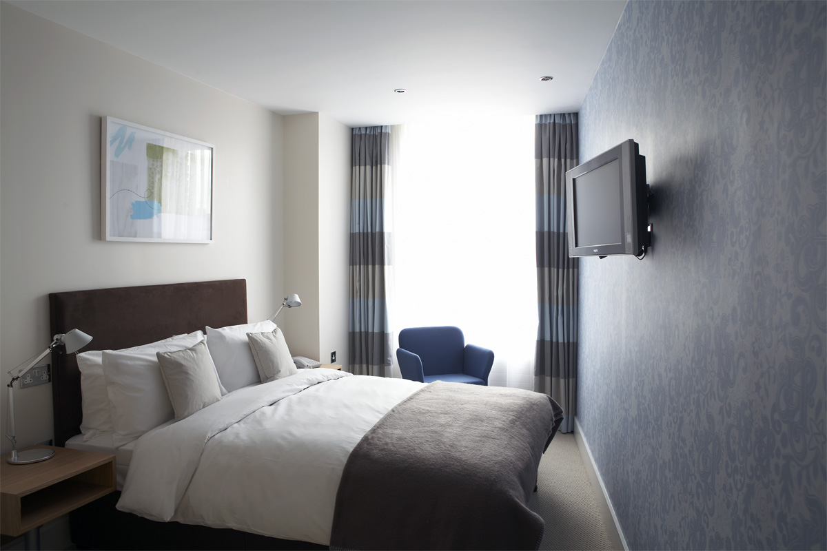 Double bedroom, Hertford House Hotel. Photo: Rosalind Miller | Styling: Zakee Shariff
