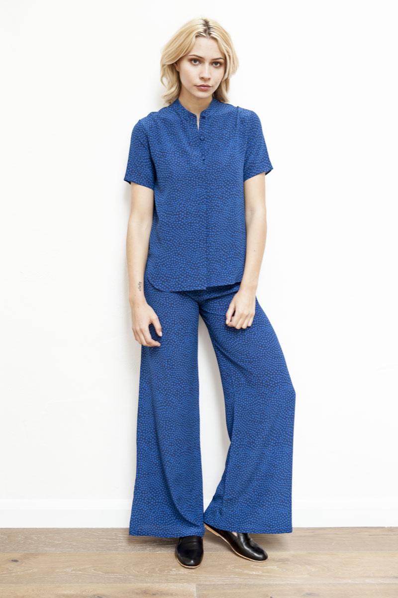 LANA & TRACY Silk shirt and trosuers with digital printed CRAZY STAR navy